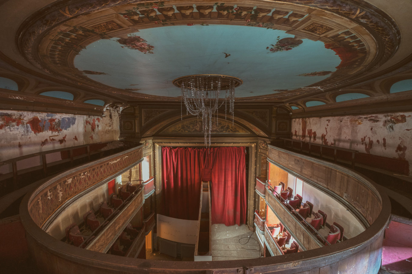 Théâtre Scapin | Loisirs | Lieux oubliés | Urbex | RanoPano Photography