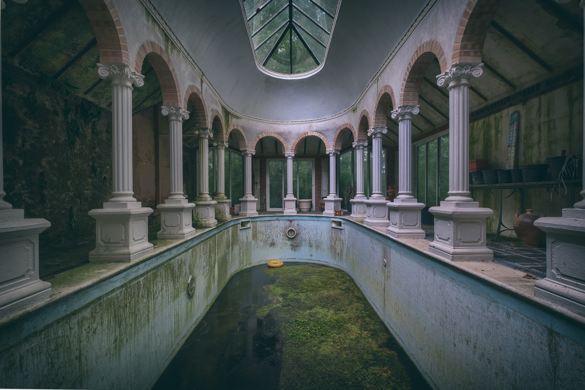 Millenium Swimming Pool | Loisirs | Lieux oubliés | Urbex | RanoPano Photography